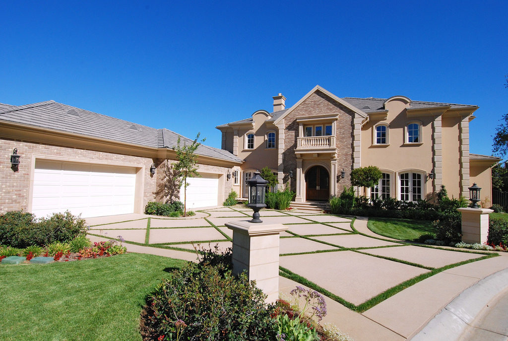 It is possible for you to Find Success Selling Luxury Real Estate