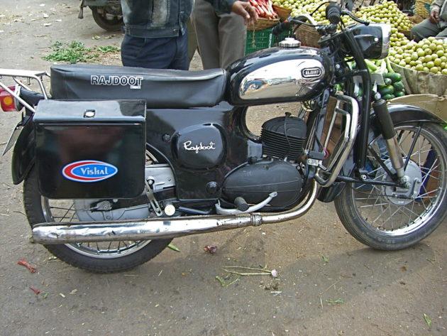 1280px-rajdoot_motorcycle